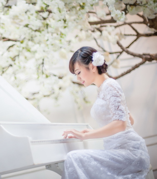 Cute Asian Girl In White Dress Playing Piano - Obrázkek zdarma pro 360x640