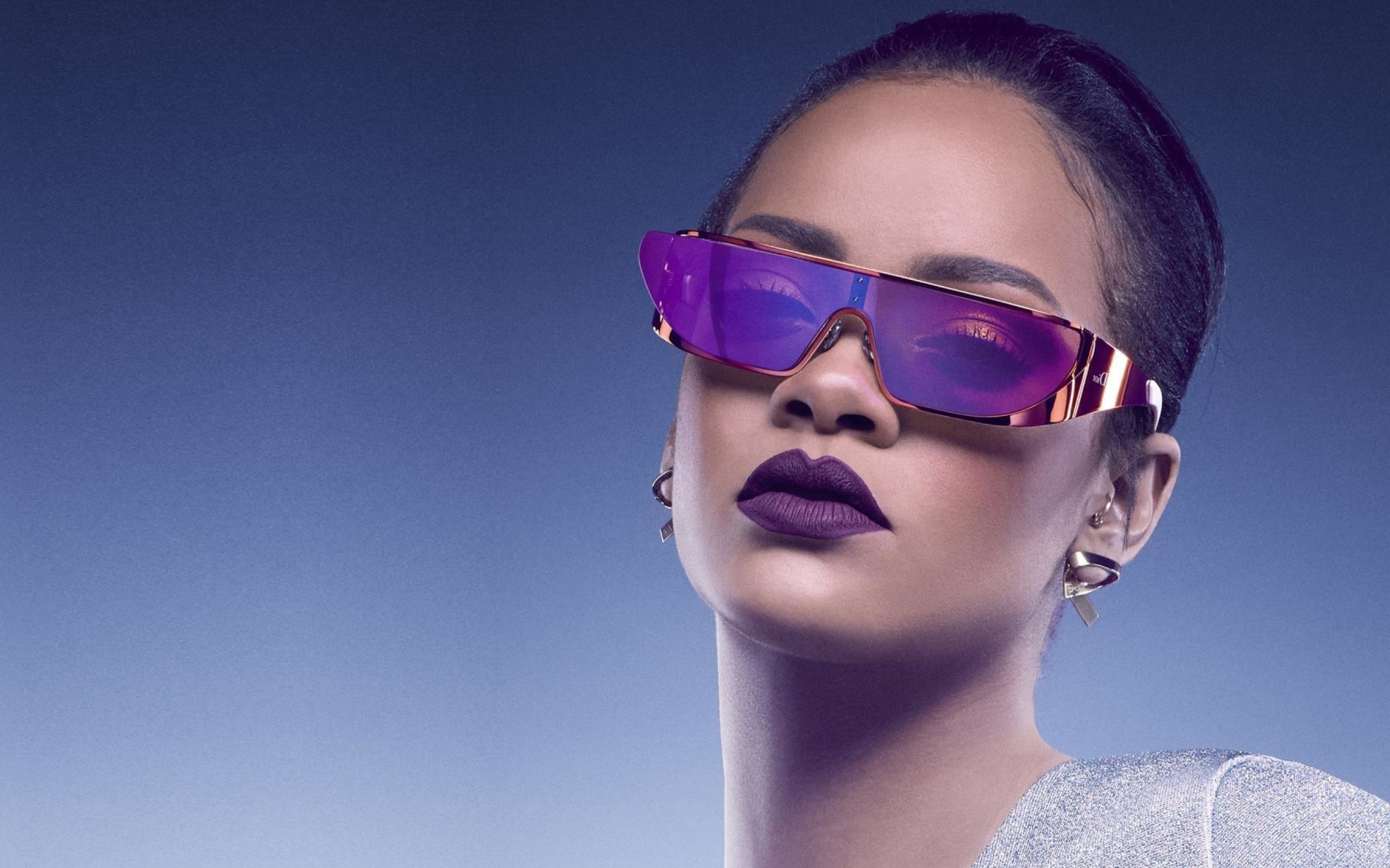 Screenshot №1 pro téma Rihanna in Dior Sunglasses 2560x1600