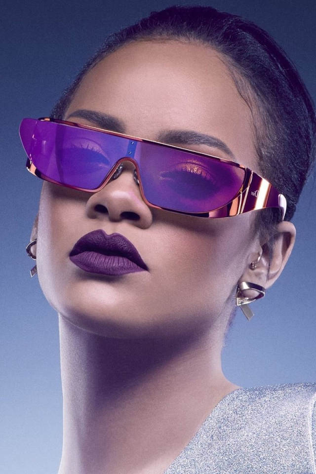 Screenshot №1 pro téma Rihanna in Dior Sunglasses 640x960