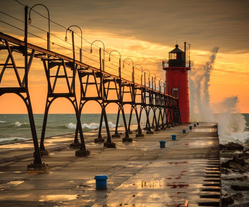 Grand Haven lighthouse in Michigan wallpaper 960x800