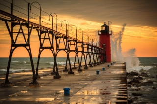 Grand Haven lighthouse in Michigan Picture for Android, iPhone and iPad