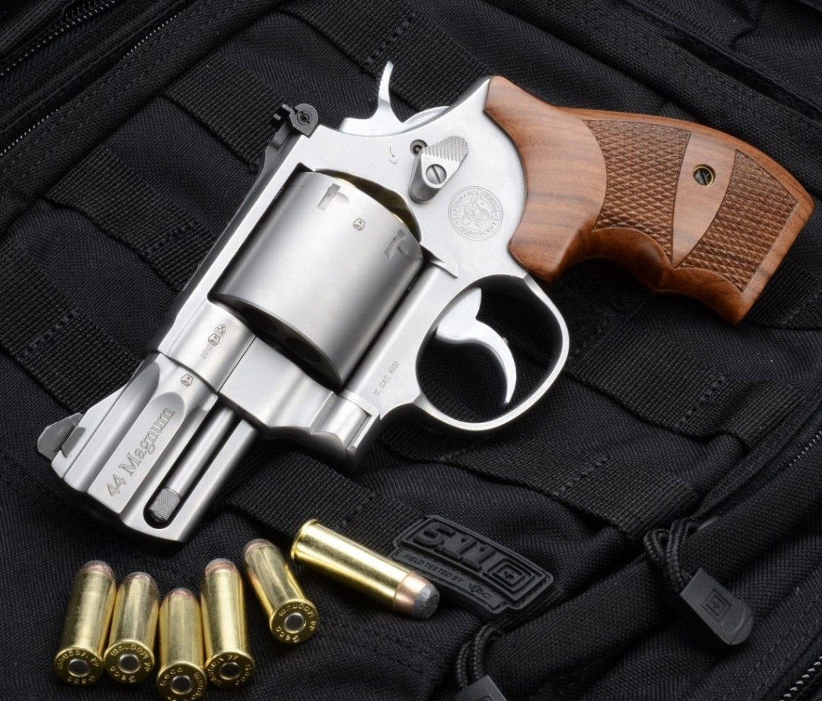 Smith & Wesson 629 wallpaper 1200x1024