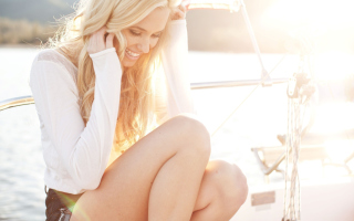 Beautiful Blonde In Sun Light - Obrázkek zdarma pro Desktop Netbook 1366x768 HD