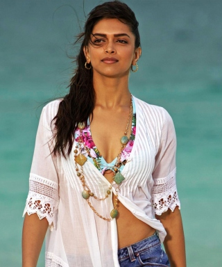 Картинка Deepika Padukone In Break Ke Baad для Nokia Asha 306