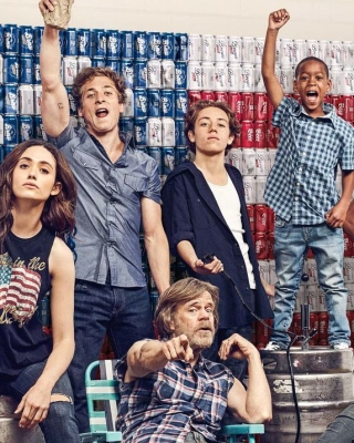 Kostenloses Shameless 9 Season with Gallagher Family Wallpaper für Nokia C2-03