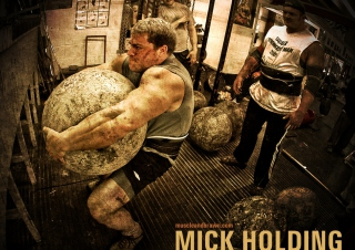 Mick Holding Strongman Picture for Widescreen Desktop PC 1920x1080 Full HD