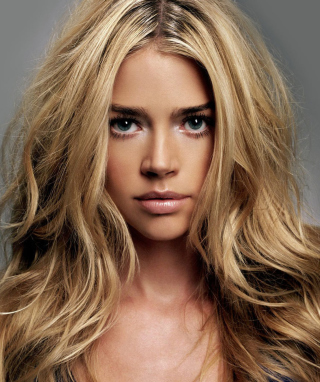 Denise Richards sfondi gratuiti per Nokia Lumia 925