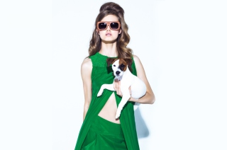 Kostenloses Fashion Girl With Dog Wallpaper für Android, iPhone und iPad