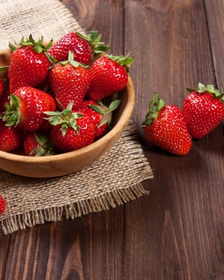 Basket fragrant fresh strawberries Background for Nokia Lumia 505