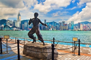 Kostenloses Bruce Lee statue in Hong Kong Wallpaper für Samsung Galaxy A