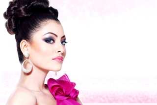 Urvashi Rautela Face sfondi gratuiti per cellulari Android, iPhone, iPad e desktop