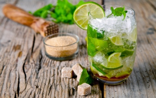 Free Mojito Caribbean Cocktail Picture for Android, iPhone and iPad