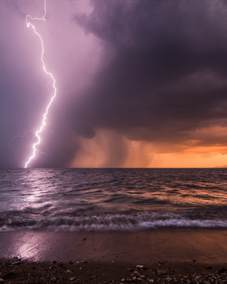 Free Storm & Lightning Picture for Nokia Asha 306