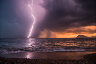 Storm & Lightning Wallpaper for HTC Desire
