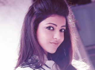 Kajal Agarwal Background for Android, iPhone and iPad