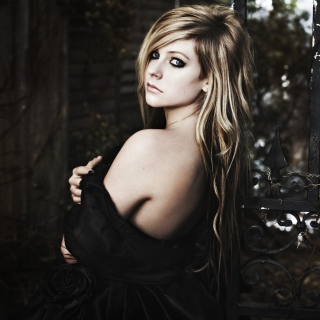 Avril Lavigne Goodbye Lullaby sfondi gratuiti per iPad mini