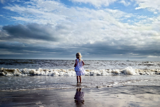 Little Child And Ocean Background for Android, iPhone and iPad