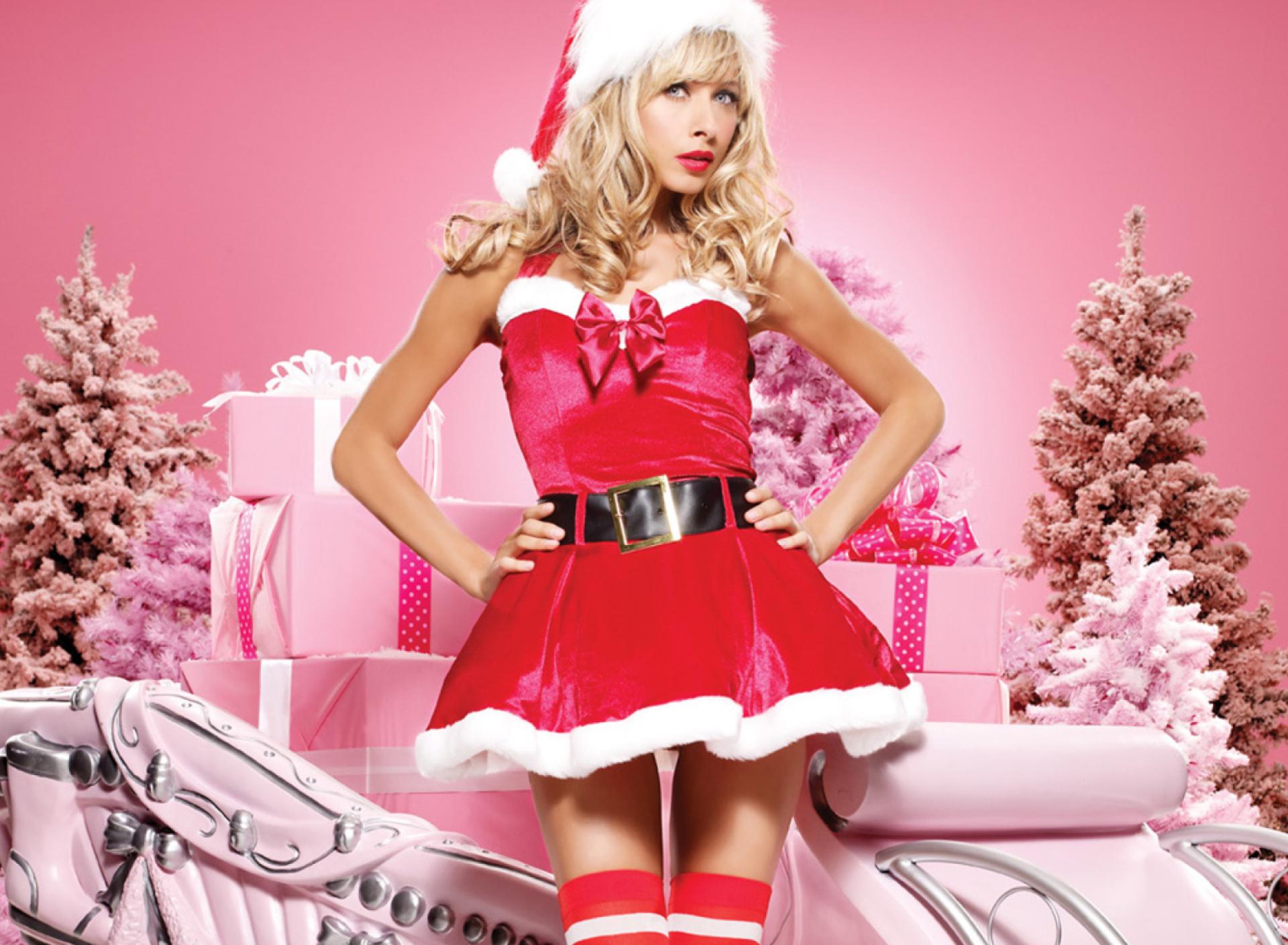 неё проснётся открытки сексуальные красотки в наряде снегурочки третий