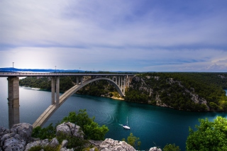 Free Krka River Croatia Picture for Fly E190