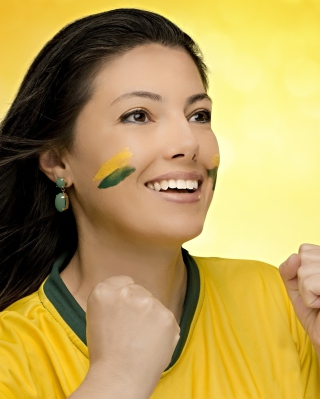 Kostenloses Brazil FIFA Football Cheerleader Wallpaper für Nokia X1-01