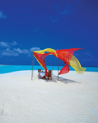 White Harp Beach Hotel, Hulhumale, Maldives Wallpaper for HTC Titan