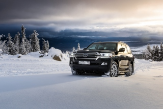 Toyota, Land Cruiser 200 in Snow Wallpaper for Android, iPhone and iPad