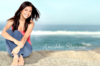 Anushka Sharma 2014 HD Background for Android, iPhone and iPad