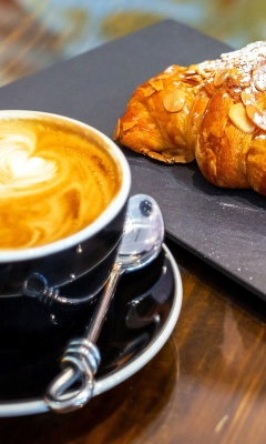 Das Croissant and cappuccino Wallpaper 240x400