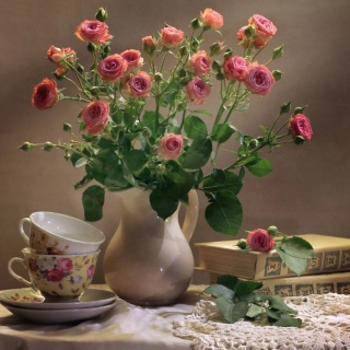 Still life of vintage books and roses - Fondos de pantalla gratis para iPad 2