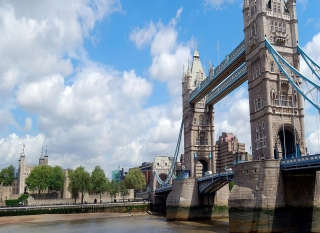 Free Tower Bridge London Picture for 480x400