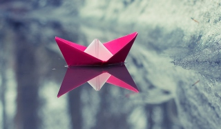 Pink Paper Boat sfondi gratuiti per cellulari Android, iPhone, iPad e desktop