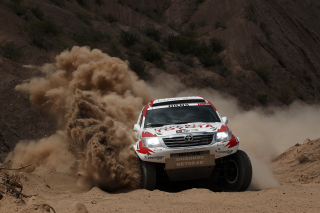 Kostenloses Toyota - Rally In Dakar Wallpaper für Samsung I9080 Galaxy Grand
