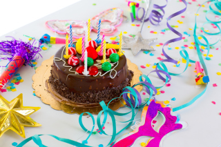 Free Birthday Cake With Candles Picture for Android, iPhone and iPad