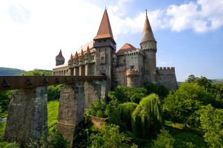 Free Corvin Castle in Romania, Transylvania Picture for Android, iPhone and iPad