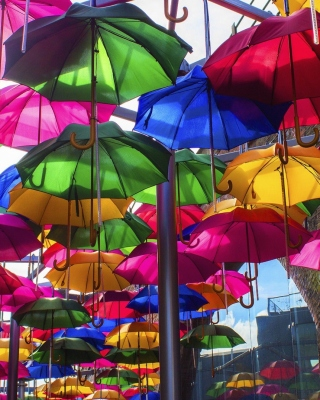 Umbrellas Street sfondi gratuiti per iPhone 6