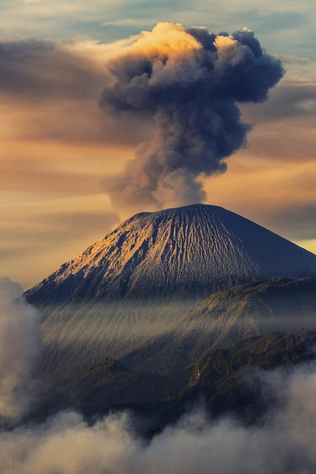 дымящие горы бесплатно