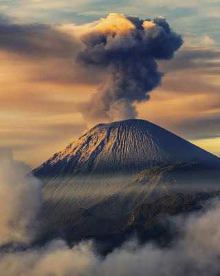 Volcano In Indonesia Wallpaper for Nokia Asha 306