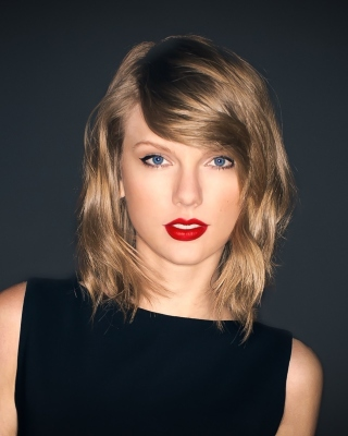 Free Taylor Swift Picture for HTC Titan