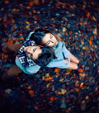 Free Autumn Couple's Portrait Picture for HTC Titan