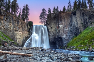 Waterfall in forest sfondi gratuiti per cellulari Android, iPhone, iPad e desktop