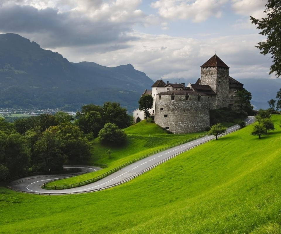Liechtenstein wallpaper 960x800