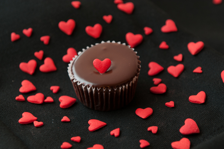 Chocolate Cupcake With Red Heart wallpaper