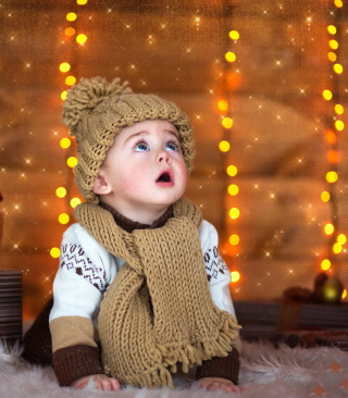 Cute Baby In Hat And Scarf Picture for Nokia C1-01