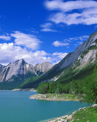Medicine Lake Volcano in Jasper National Park, Alberta, Canada Wallpaper for Nokia Asha 306