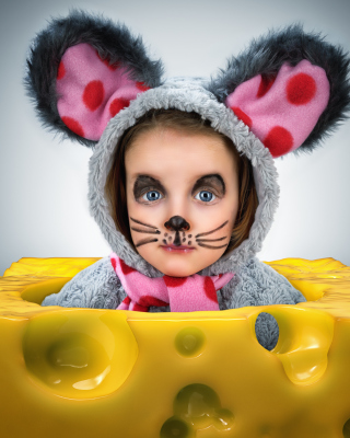 Little Girl In Mouse Costume papel de parede para celular para 640x1136