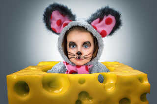 Little Girl In Mouse Costume Background for Android, iPhone and iPad