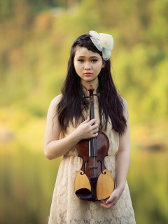Screenshot №1 pro téma Girl With Violin 240x320