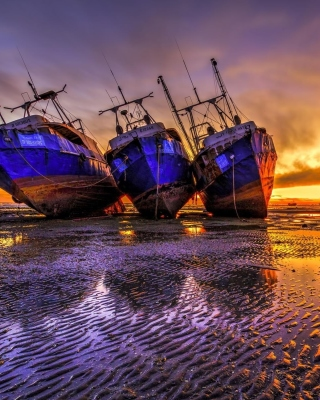 Ship graveyard in Nouadhibou, Mauritania Wallpaper for Sharp 880SH