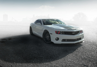 Kostenloses Chevrolet Camaro - Legendary American Car Wallpaper für Samsung Galaxy Ace 3