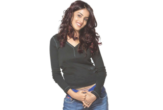 Free Genelia Dsouza Picture for Android, iPhone and iPad